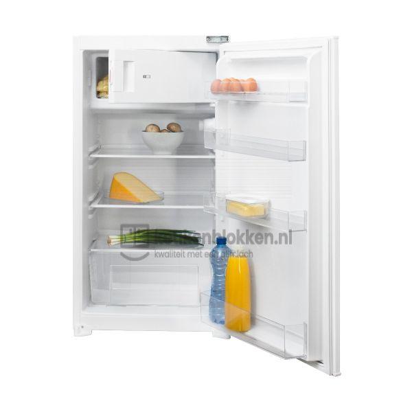 Keukenblok met apparatuur, inductiekookplaat, spoelbak midden, koelkast  3.00m breed - Alpine wit